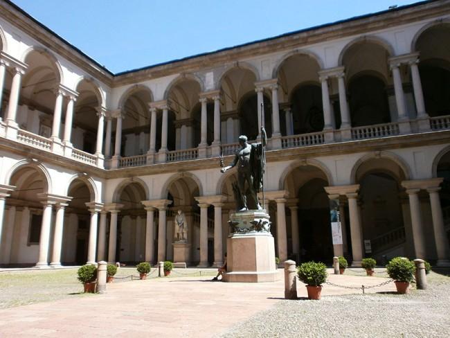 Pinacoteca_di_Brera_-_Milano_-_il_cortil