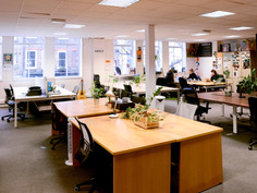 Grays-Inn-Desks9.jpg