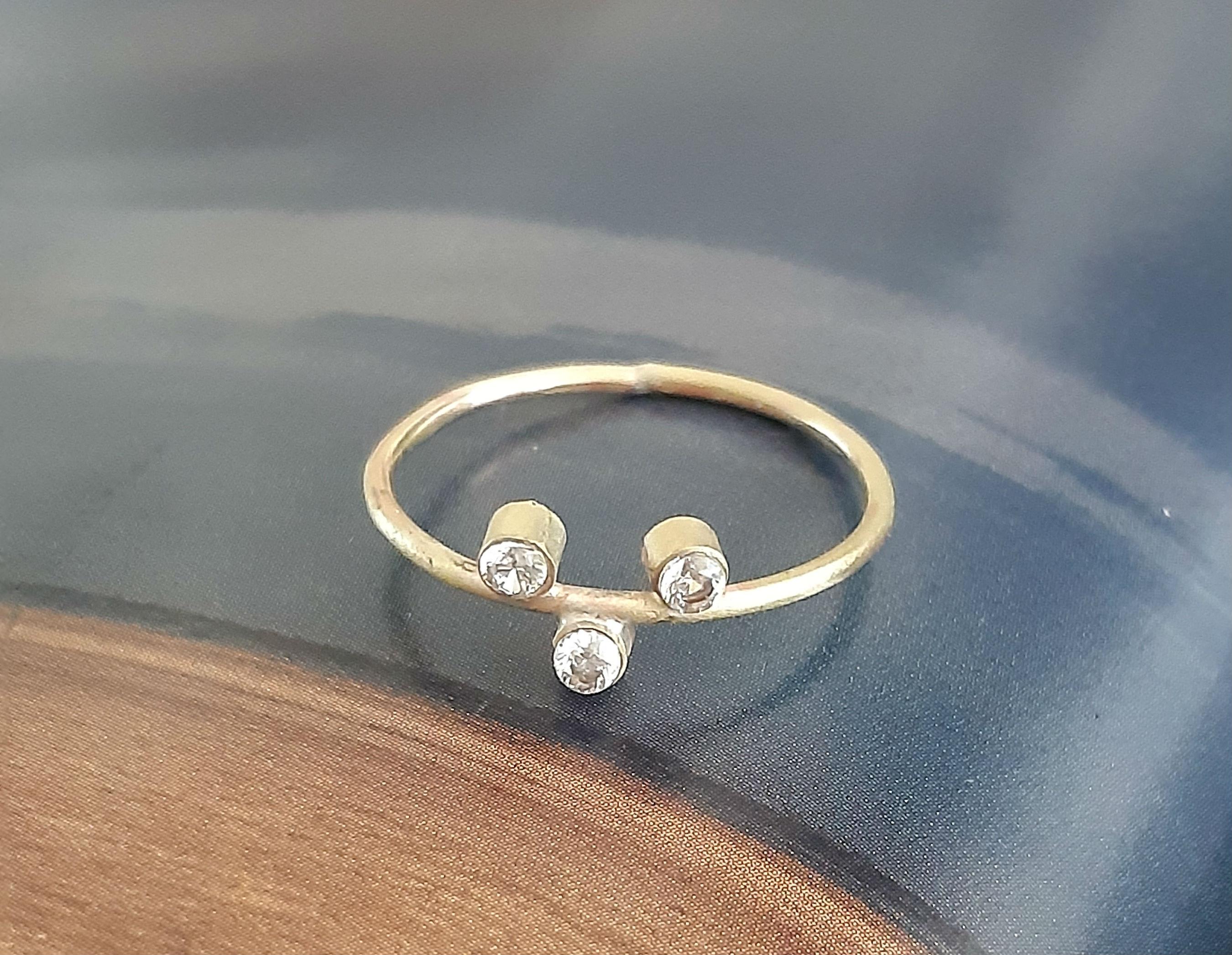 Capella 3 diamond mis matched ring
