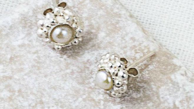 Kaia Pearl Stud Earrings