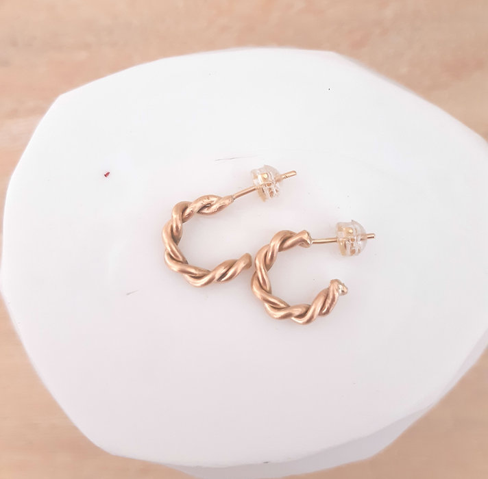 Small Entwined Hoops4.jpg