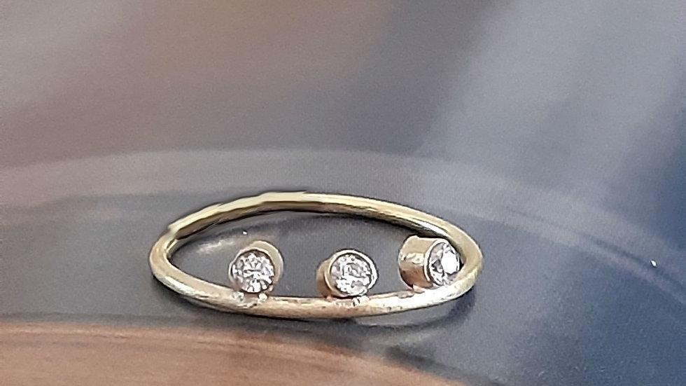 Capella 3-in-a-row diamond ring