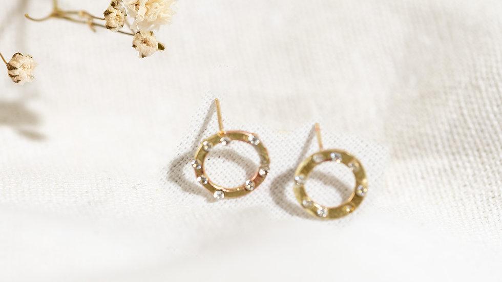 Karma Gold Circle Stud Earrings with 4 diamonds