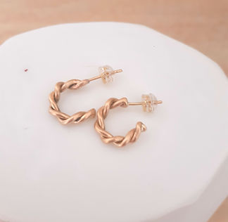 Small Entwined Hoops3.jpg