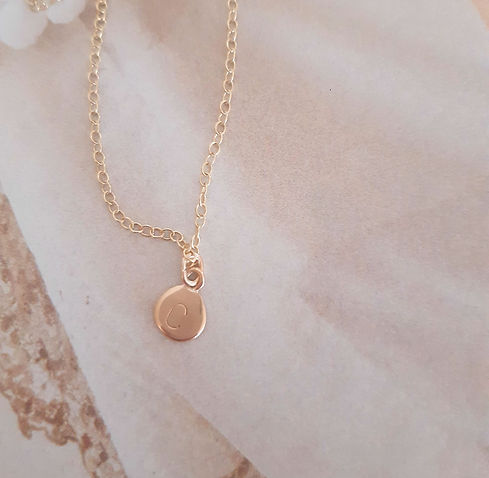 Dot necklace C in yellow gold2.jpg