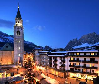 Cortina-by-night-dolomitisuperski.com_.j