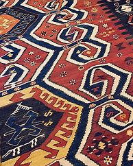 アンティークキリム_・_産地はアイドゥンチネの伝統的なキリム。羊の角の文様である