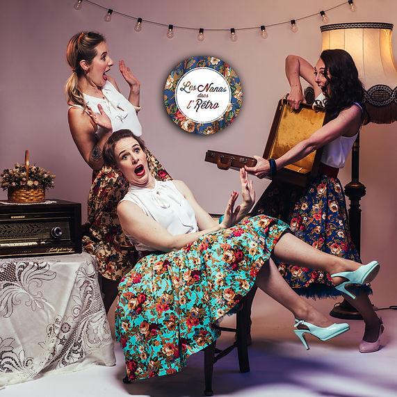 Les Nanas dans l'Rétro est un trio vocal de chansons françaises rétro - crédit @romanolorispictures/maquillage Justine Chéry