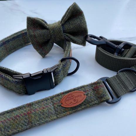 IMG_4391.jpggreen tweed dog collar matte black buckles