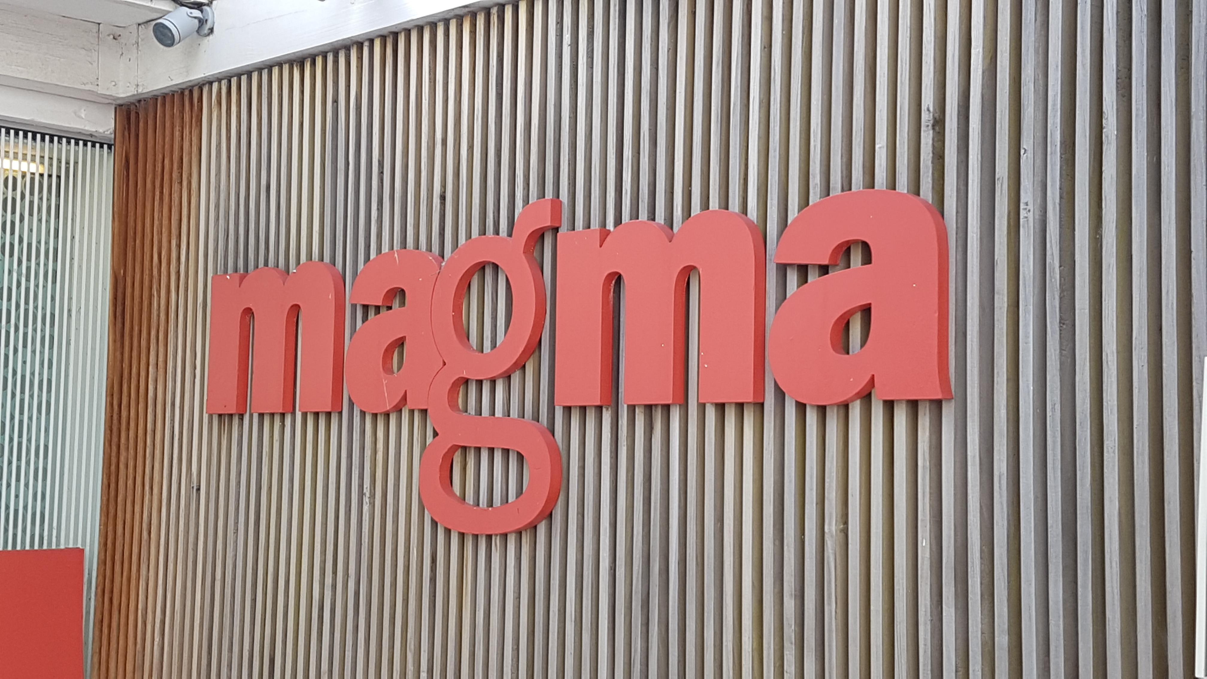 +Letra-caixa - Magma