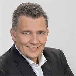 C. Macedonschi (3)