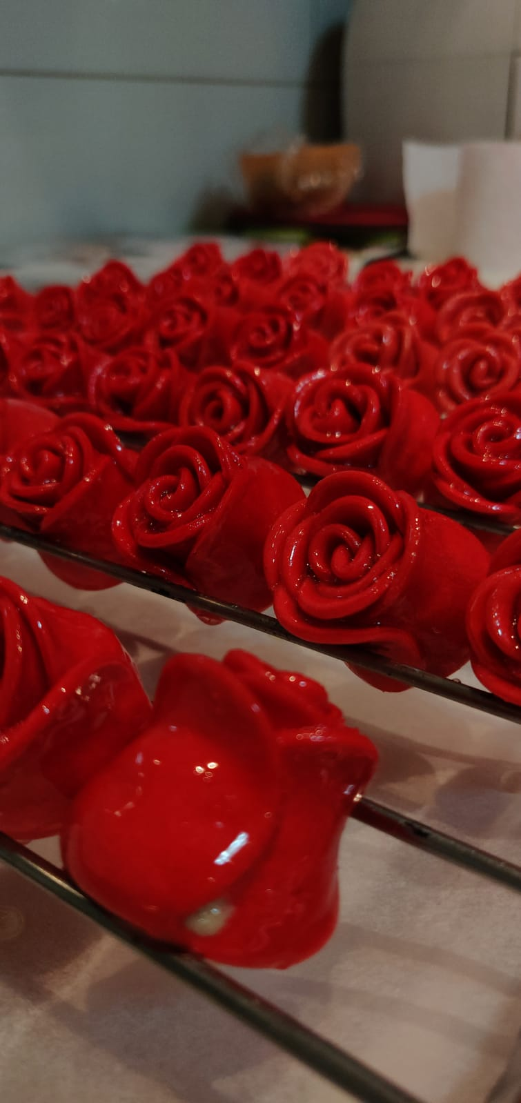 עוגיות תכשיטים בצורת ורדים