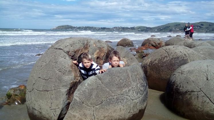 Moeraki Boulders Beach