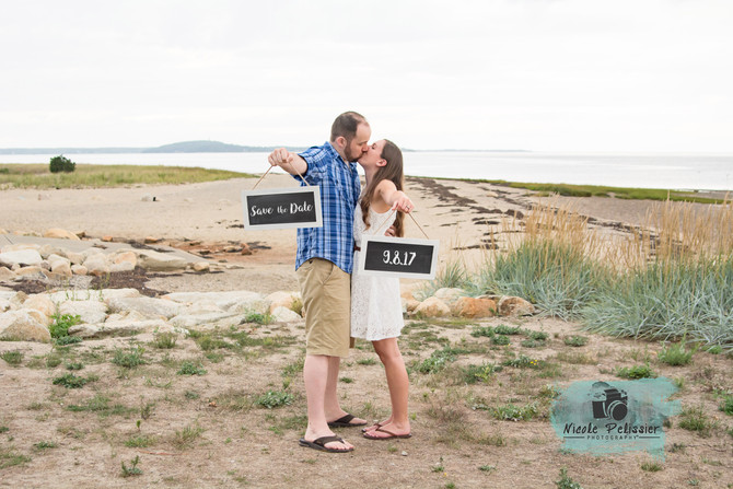 They'll be Cutting the Cake // Michelle & Christopher Cutting // Engagement Session // Nelso