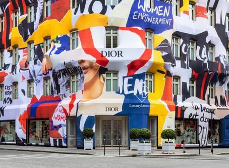 Dior'un Montaigne Bulvarı Butiği Protesto Renklerine Büründü
