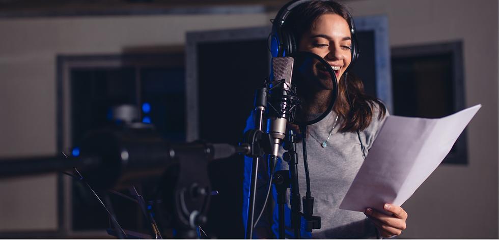 Dots Singing girl singing into mic