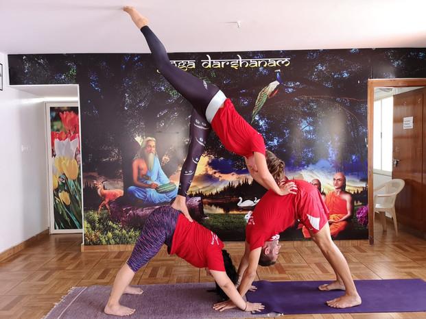 acro yoga pyramide