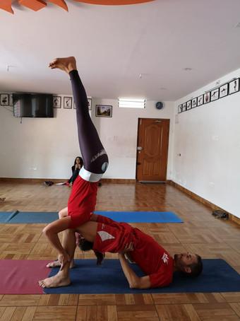 Acro yoga équilibre