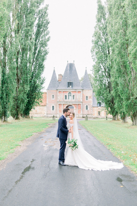 L+R in front of the beautiful Chateau de Bonnemare, Normandy