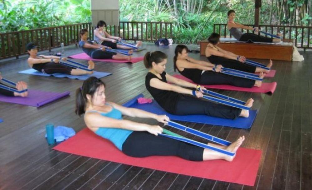 http://sg.asia-city.com/sites/default/files/imagecache/item_image/yoga_on_nassim_1.jpg