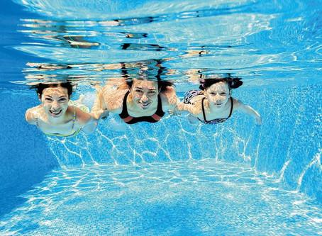 Rein ins Vergnügen: Poolhygiene in 5 Schritten