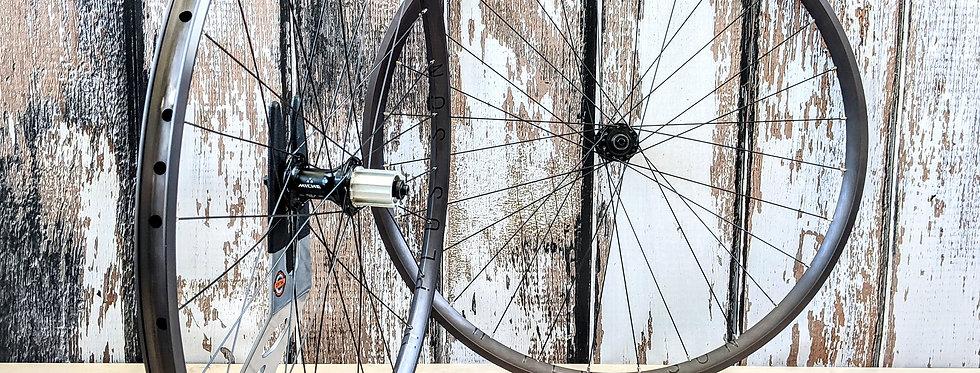 H Plus Son Archetype 700c /Miche Road Gravel Handbuilt Wheels