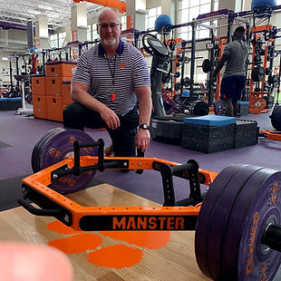 Manster-Bar-10.jpg