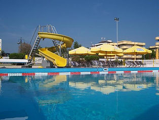 Grande piscina al Bagno Marconi