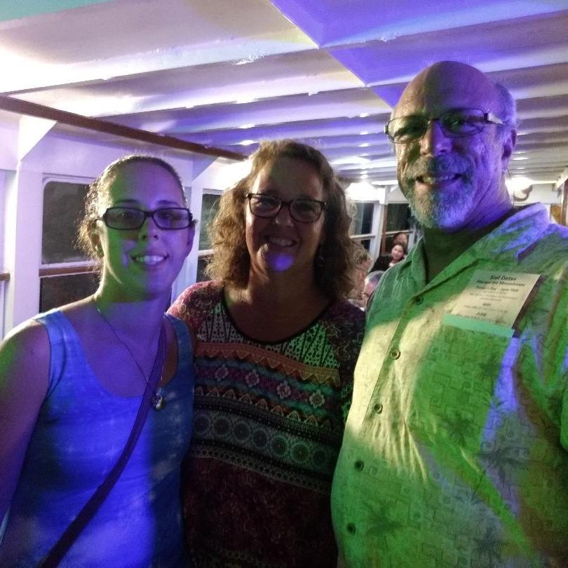 Nicole, Lisa and Rob Rapisarda on the Mo