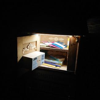 Hofladen_Imkerei Wilen_bei Nacht offen