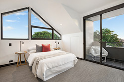 Barry-St-5-15-Clovelly-Bed-Low