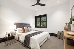 Barry-St-5-15-Clovelly-Bed 2-Low