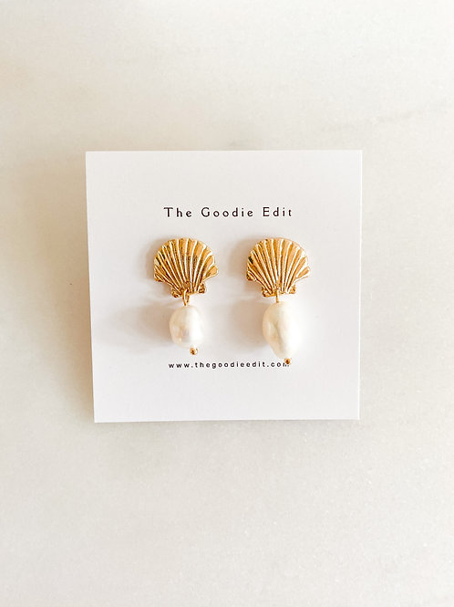 Shell with pearl drop Earrings