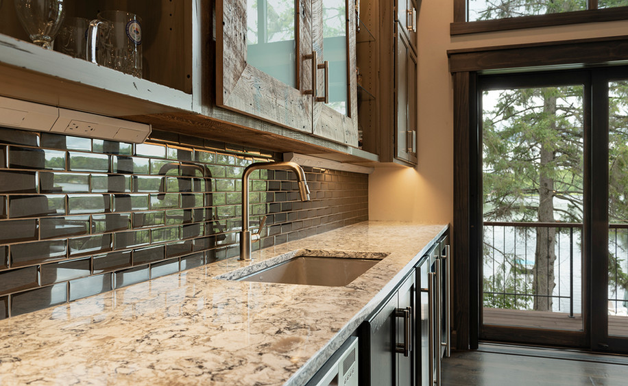 Upper Floor Bar - Detail