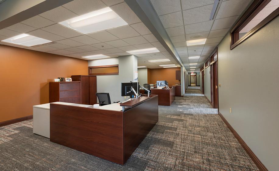 Incredible Bank -Wausau Branch Remodel     Work Desks