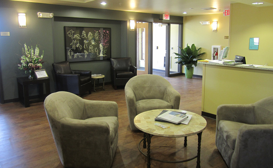 The Women's Community  |  Check-in & Lobby Seating