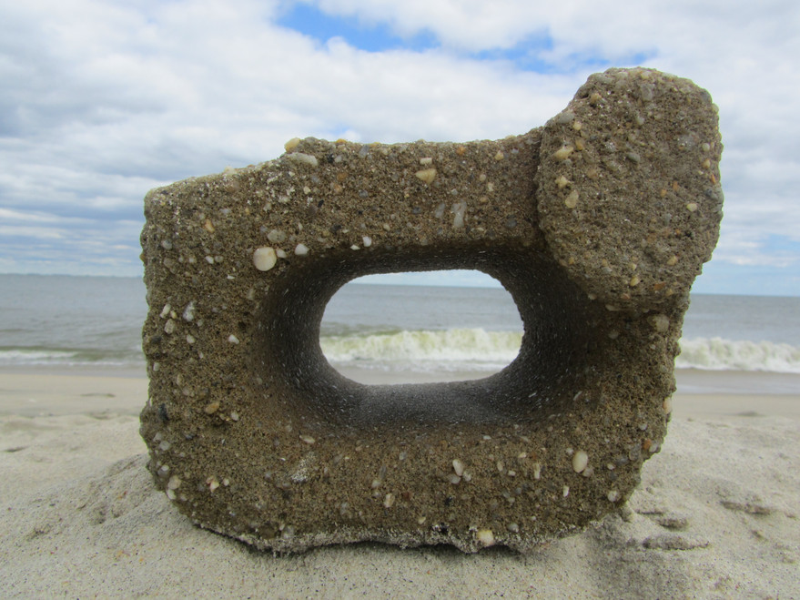 Cheap Telescop of the lensless type - the functionality of this unique 1:1 telescope is confined to the selection of field, in this case a balanced combination of land, sea, and sky. (Sandy Hook Island)