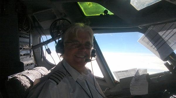Mike Harris - Boeing 737 cockpit