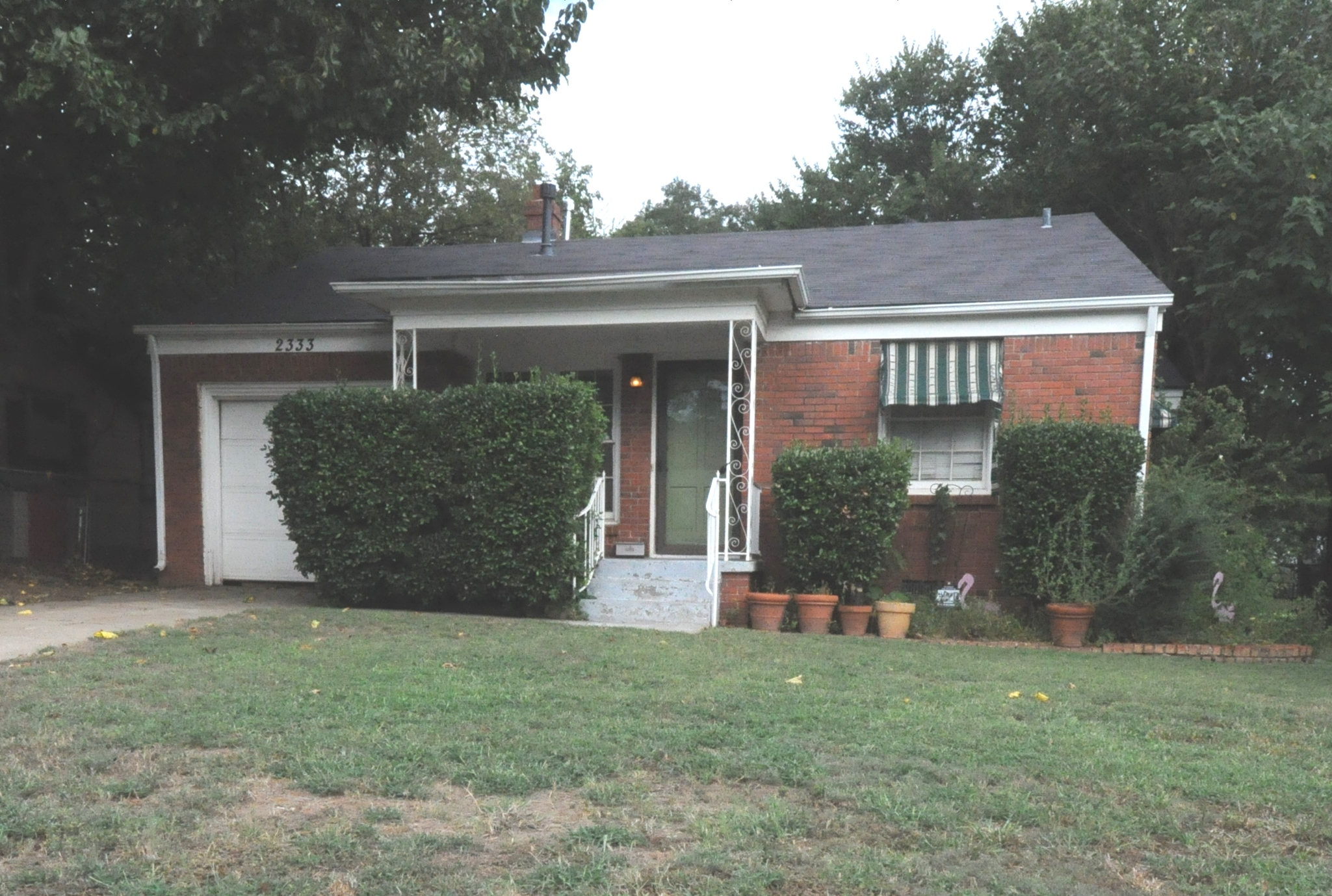 2333 NW 38th St.