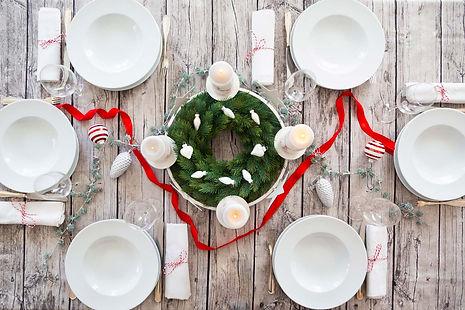 laid-table-advent-wreath-christmas-decor
