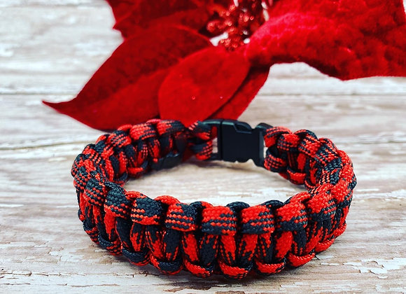Red and Black  paracord bracelet -Buffalo Plaid