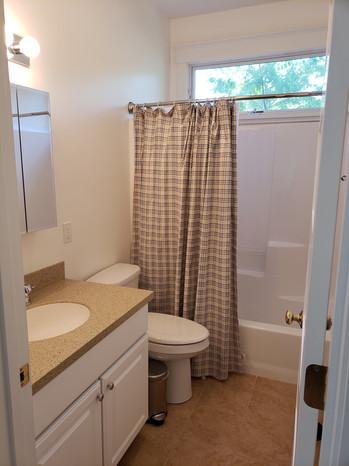 150 - Bathroom.jpg