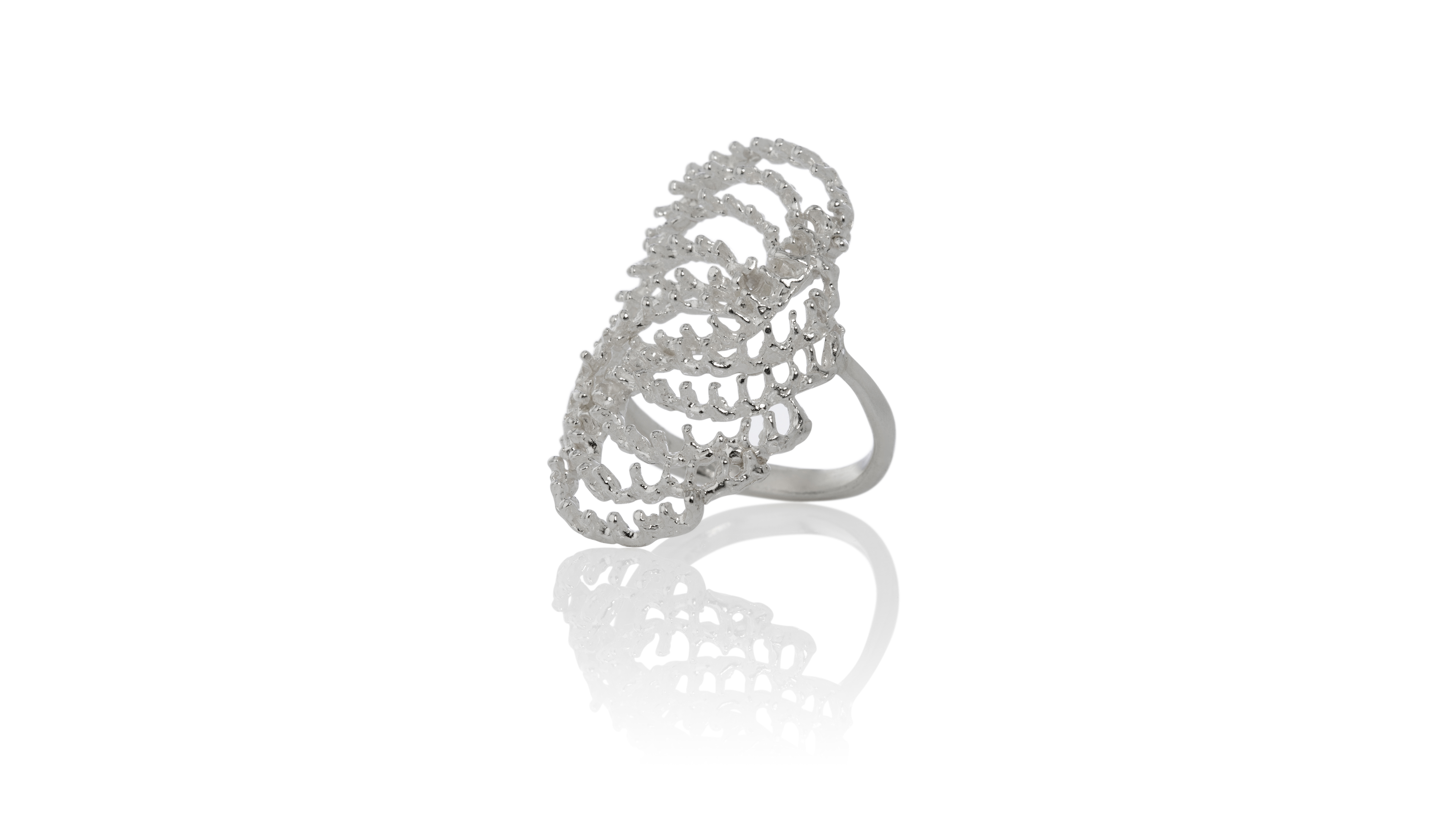 Asterias ring by Aurum