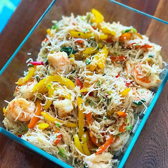 Stir-fried shrimp, bell peppers & rice n