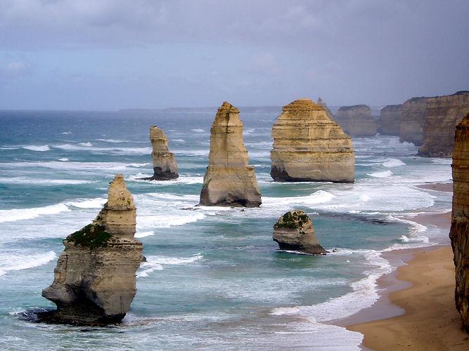 12-apostles-great-ocean-road-1410746 (1)