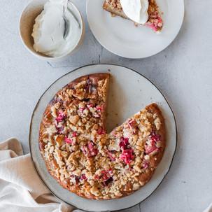 Vegan Apple and Rhubarb Crumble Cake