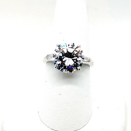 Gorgeous Solitaire Ring