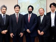 ACCJ関西支部のメンバーと近畿経済産業局を訪問。関西の活性化について協力し合うことを合意