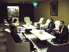 キラン・セティ 大阪商工会議所 野村会頭と会談を行う Kiran Sethi meets with the Akio Nomura