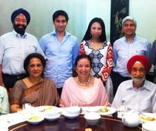 ナリンダー シン セティ 夫妻が新らしく着任された Deepa Gopalan Wadhwa 駐日インド大使を歓迎しました。
